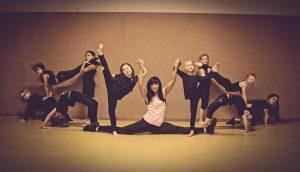Zirkusspiele und Akrobatik